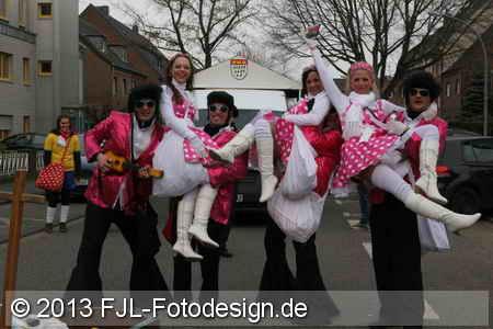 Rosenmontagszug 2013 in Worringen